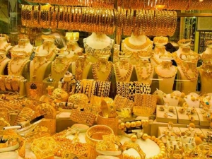 Gold Rises Rs 350 On High Demand Positive Global Cues