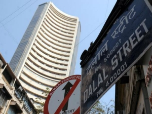 Sensex And Nifty On Flat Mode Today
