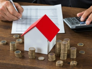 Lic Housing Finance Is Offering Free Voucher With Home Loan In Hindi