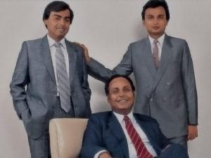 Mukesh Ambani Anil Ambani Reunited Rcom United Mukesh Ambani And Anil Ambani Again