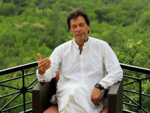 Pakistan Pm Imran Khan Removed Finance Minister Pak In Hindi Imran Khan In Hindi