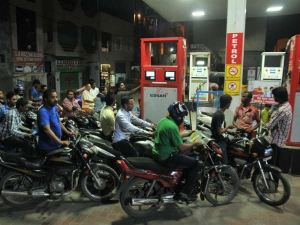 Discount On Petrol And Diesel At Petrol Pumps By Casting Vote