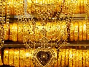 On The Occasion Akshaya Tritiya The Gold Priced Reduce