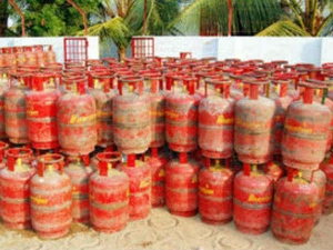 Price Of Non Subsidized Gas Cylinders Decreased By Rs 100 From July