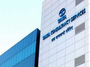 Tcs Profit Up To Rs 6904 Crore