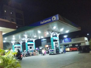 Ril Is Opening 5500 Petrol Pump How To Get A Dealership Of Reliance Petrol Pump
