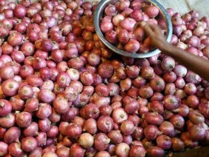 Wholesale Rate Of Onion Reduced But Selling At A Higher Rate In The Market