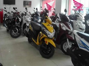 Best Deal Get Honda And Suzuki Scooter In Less Than Rs 15000 Rupees