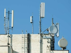 How To Earn By Installing Mobile Towers On The Roof Of The House Or On An Empty Space