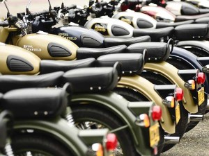 Royal Enfield S Bullet Becomes Expensive Know New Price