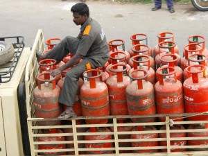 Lpg Gas Cylinder If You Want Relief From Expensive Cylinder Then Book And Get Discount