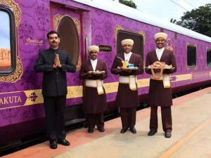 Golden Chariot A Car Will Come In The Fare Of This Indian Train Know Its Features