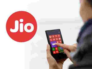 Jio Cashback Offers Jio 399 Rupees Recharge Now At 299 Check Details
