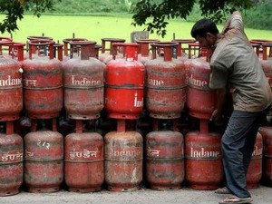 Lpg Get Gas Cylinder For Just 9 Rupees Know How Long Is The Chance