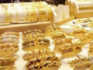 Gold Rates Rise But Silver Becomes Cheaper